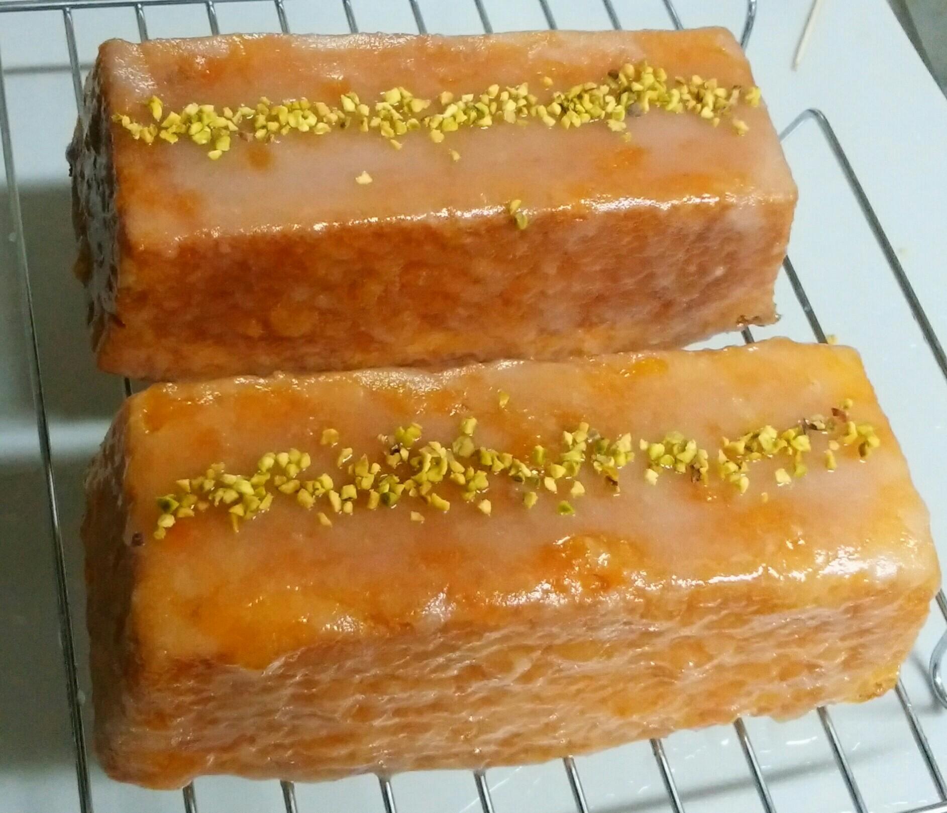 『「オーボン ヴュータン」河田勝彦のおいしい理由。お菓子のきほん、完全レシピ』より、ウィークエンド初挑戦