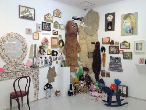長井朋子展『真夏の毛むくじゃらハウス』@渋谷ヒカリエ