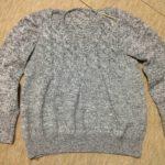 毛糸ピエロのフロントケーブルセーター-4
