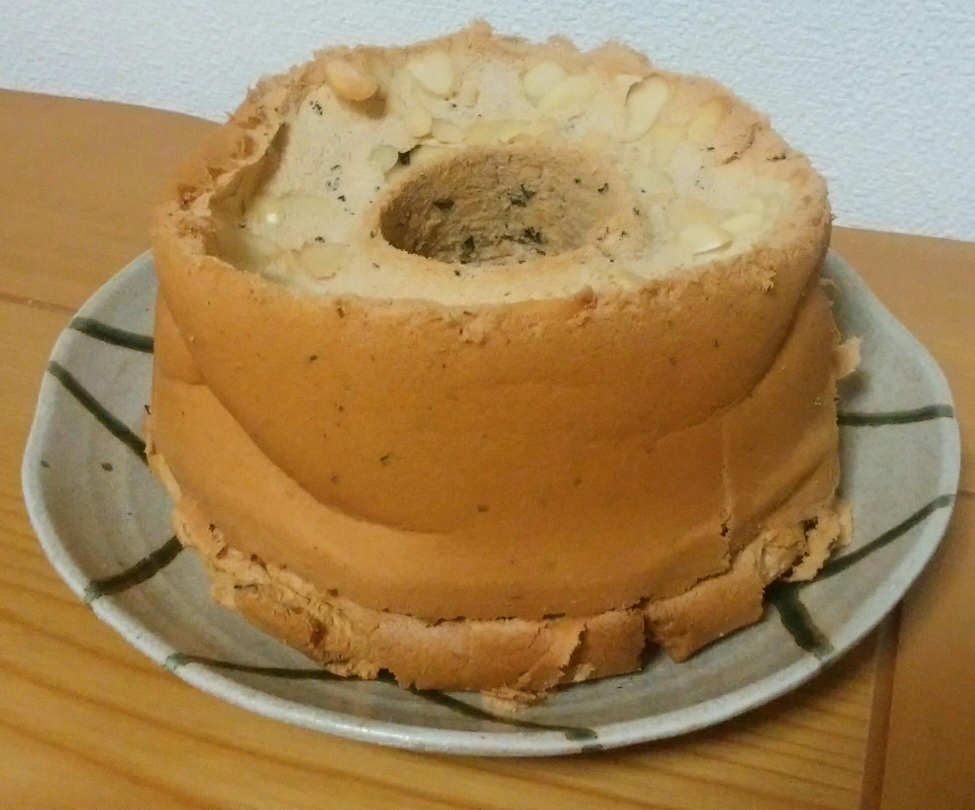 紅茶シフォンケーキを作ったら、立派な?!底上げシフォンケーキができました