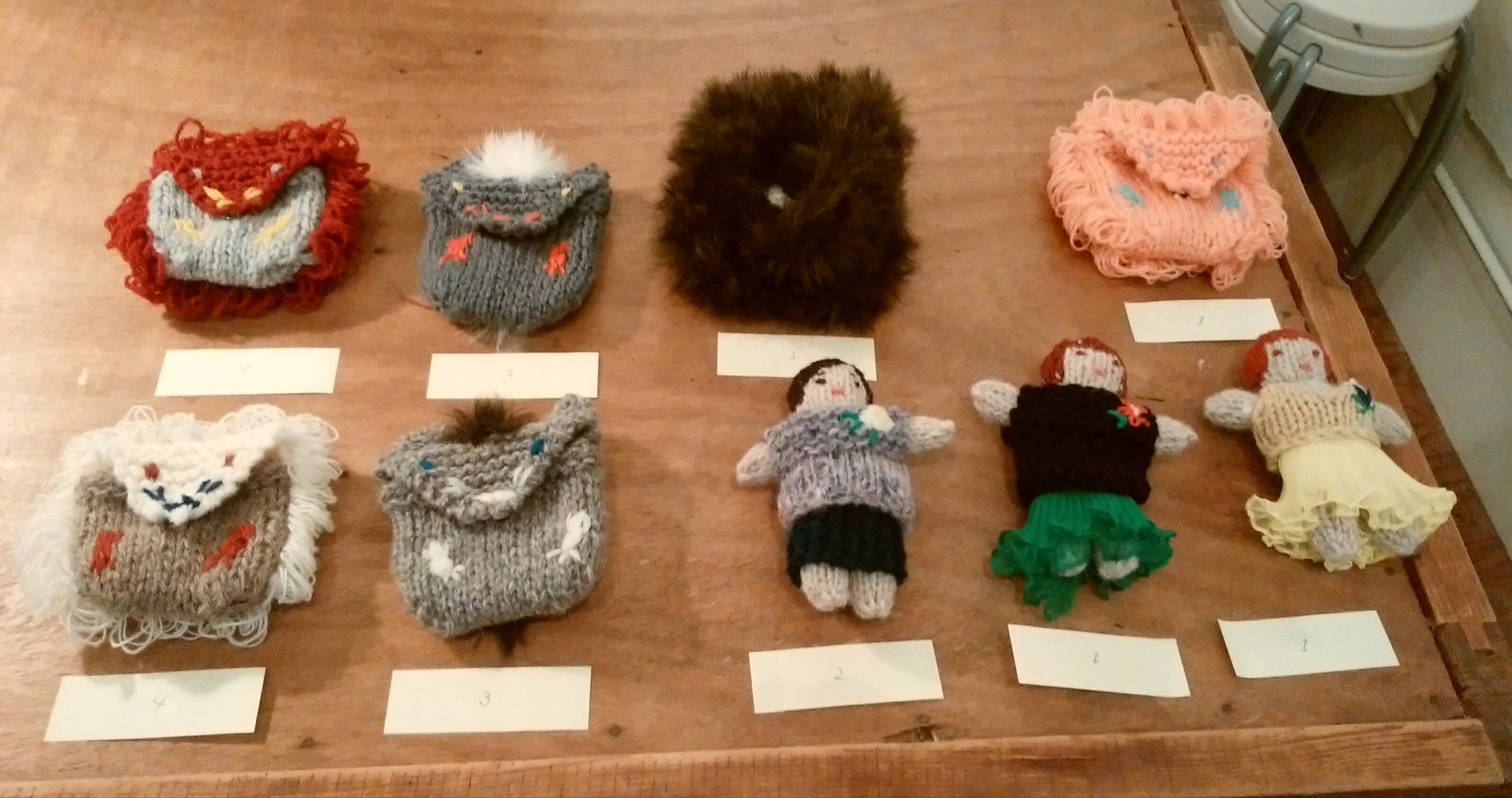 三國万里子の「うれしいセーター」展@森岡書店に行ってきました