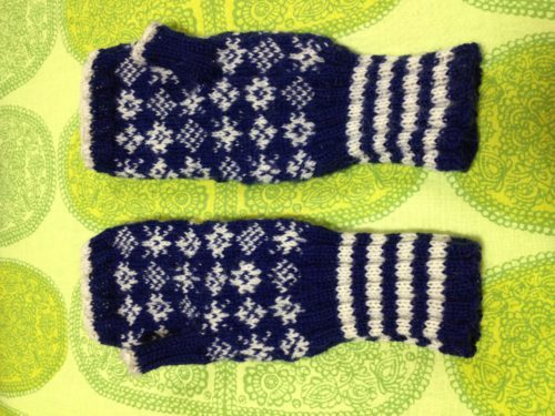 雪だらけの手袋-1【きょうの編みもの】