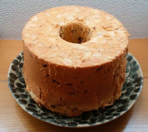 プレーンアーモンドシフォンケーキとチョコチップシフォンケーキを作りました