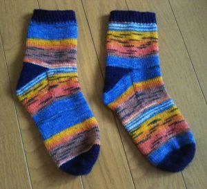 今季初編みは、Opal毛糸で靴下編み